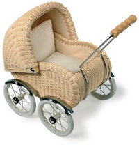 DOLL'S SMALL TRADITIONAL TOY  WICKER PRAM  DISCOUNTED PRICE GIRLIE GIFT KIRKINTILLOCH